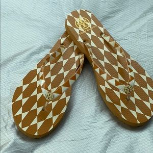 Torch Burch Eva Soul Gold white Sandals Size 10
